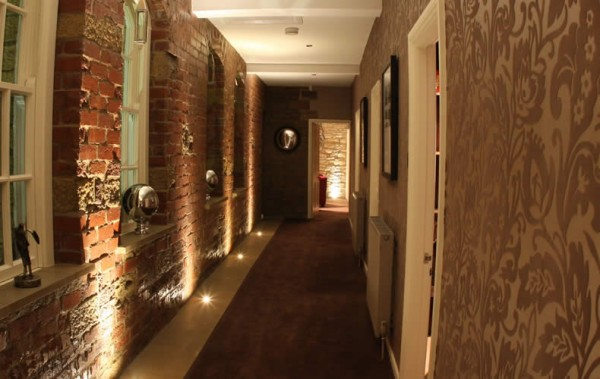 brick hallway e1293746515526 How to Change the Look of your Interiors with Brick
