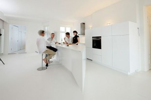 Minimalist White Apartment Interior Design in Berlin