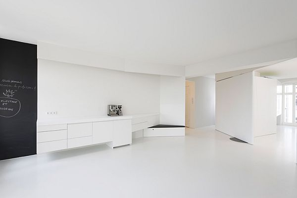 minimalist white apartment in berlin loftenberg. Black Bedroom Furniture Sets. Home Design Ideas