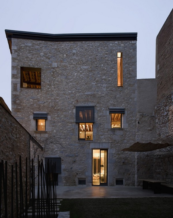 Fac%C2%A6%C5%BEade at sunset time Breathtaking Medieval Building Turned Into Contemporary Living Space