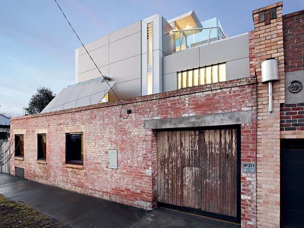 Richmond Fire Station Stables modern residence Gorgeous Residence Combining Historic and Modern Features