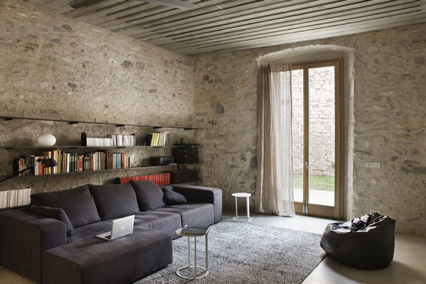 Living room Breathtaking Medieval Building Turned Into Contemporary Living Space
