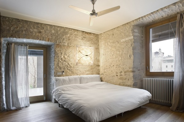 Main bedroom Breathtaking Medieval Building Turned Into Contemporary Living Space