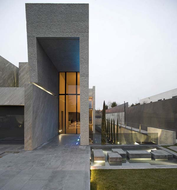 Open Box House by A cero 10 Inspired by Works of a Spanish Sculptor: A ceros Open Box House