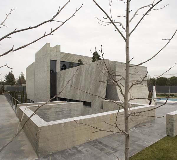 Open Box House by A cero 18 Inspired by Works of a Spanish Sculptor: A ceros Open Box House