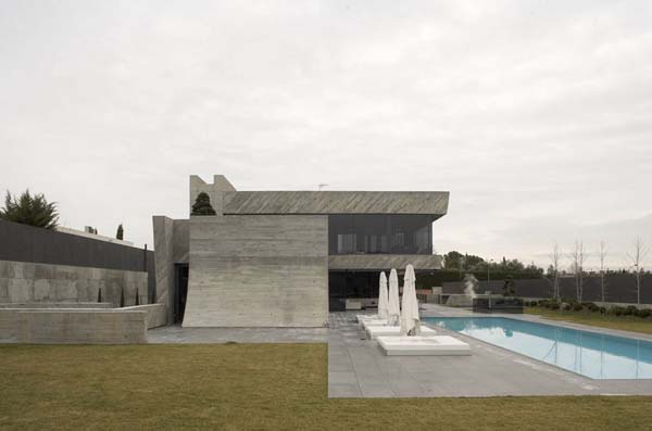 Open Box House by A cero 22 Inspired by Works of a Spanish Sculptor: A ceros Open Box House