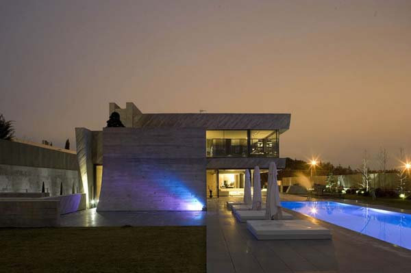 Open Box House by A cero 23 Inspired by Works of a Spanish Sculptor: A ceros Open Box House