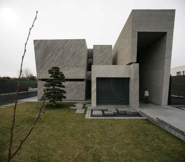 Open Box House by A cero 8 Inspired by Works of a Spanish Sculptor: A ceros Open Box House