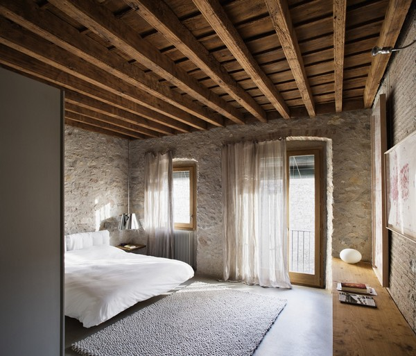 Master suite Breathtaking Medieval Building Turned Into Contemporary Living Space