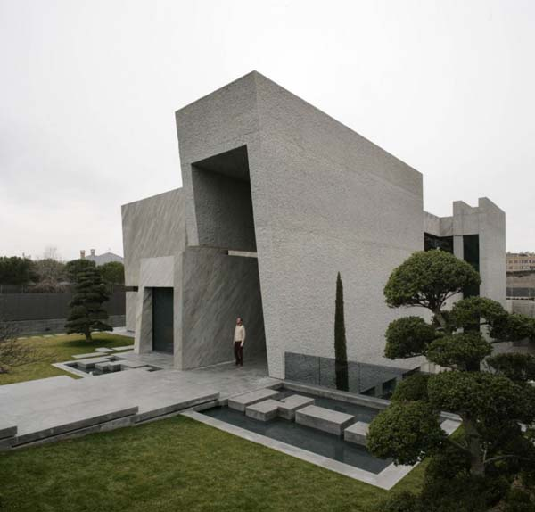 Open Box House by A cero 11 Inspired by Works of a Spanish Sculptor: A ceros Open Box House
