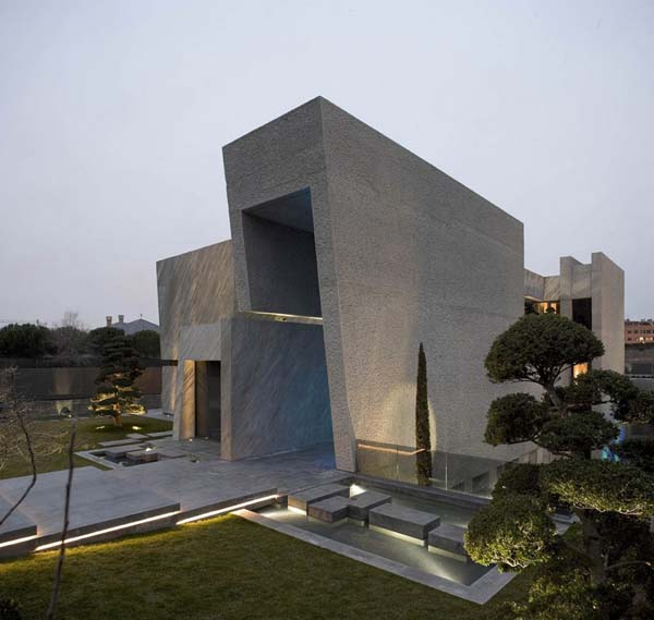 Open Box House by A cero 12 Inspired by Works of a Spanish Sculptor: A ceros Open Box House