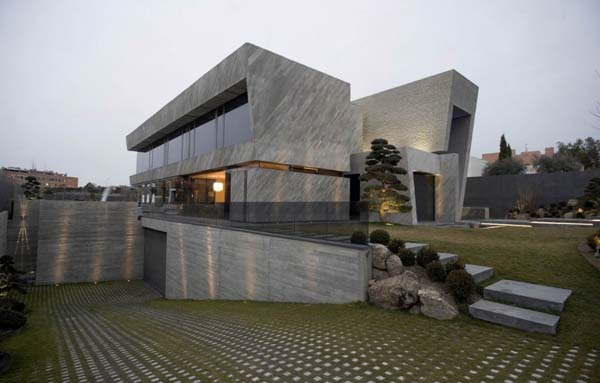 Open Box House by A cero 2 Inspired by Works of a Spanish Sculptor: A ceros Open Box House