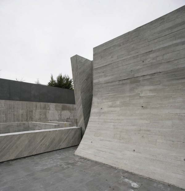 Open Box House by A cero 21 Inspired by Works of a Spanish Sculptor: A ceros Open Box House