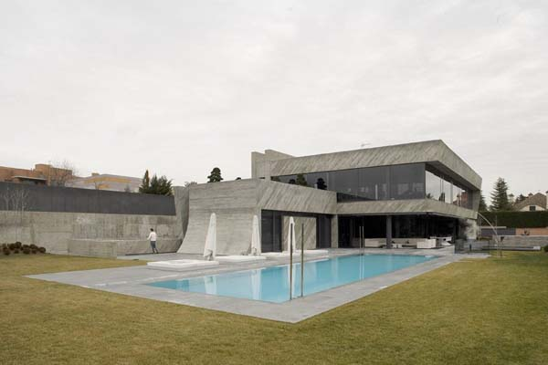 Open Box House by A cero 24 Inspired by Works of a Spanish Sculptor: A ceros Open Box House