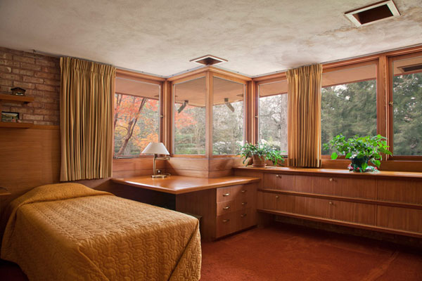 Frank Lloyd Wright 6 Frank Lloyd Wrights Kenneth Laurent House in Illinois Up For Auction