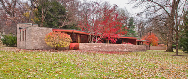 Frank Lloyd Wright 1 Frank Lloyd Wrights Kenneth Laurent House in Illinois Up For Auction