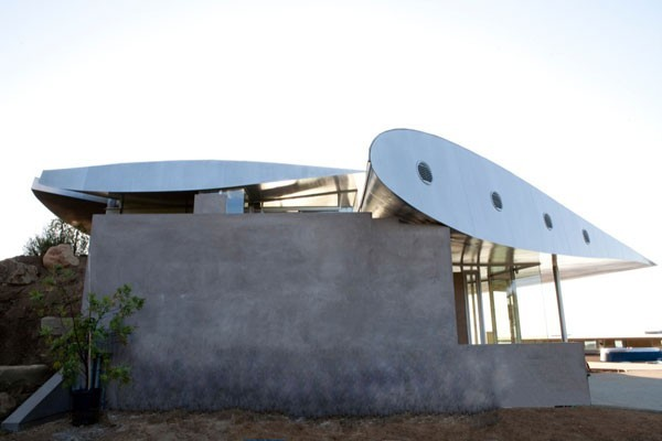 studioea 747 wing house 012 Using Airplane Parts To Create Sustainable Architecture: Wing House [Video]