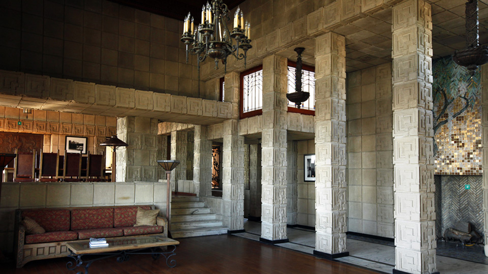 la-hm-landmark-houses-ennis-house-photos,0,851373