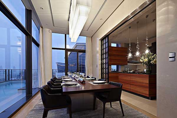 House of the Tree 9 Glazed Double Height Penthouse Overlooking The Urban Jungle