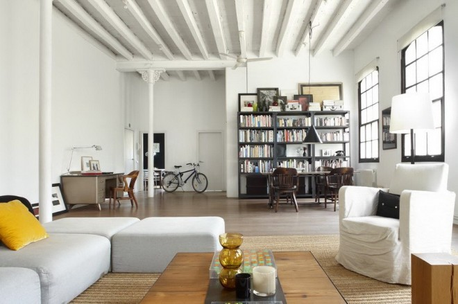 barcelone whita loft 02 660x439 White Loft in Barcelona