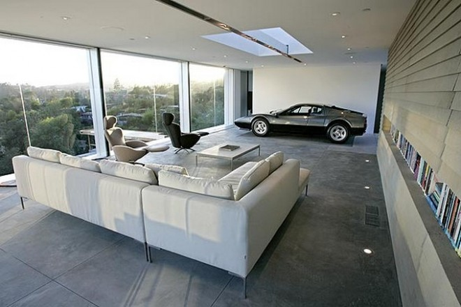 Dream car loft in la loftenberg for Look 4 design salon