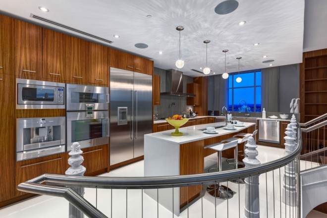 Elysium Penthouse - chef's kitchen