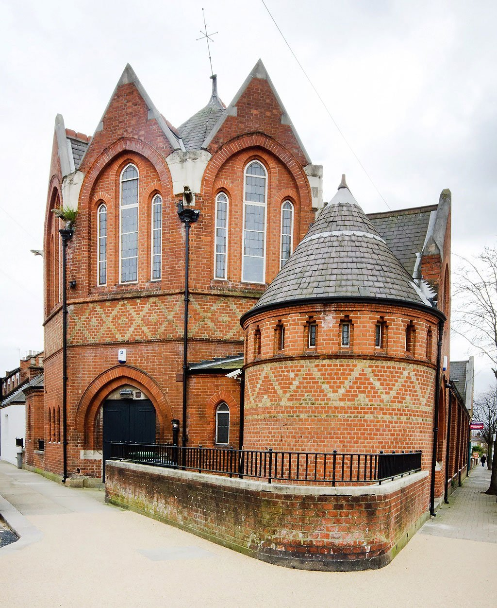 Kensal Green Church / Loftenberg